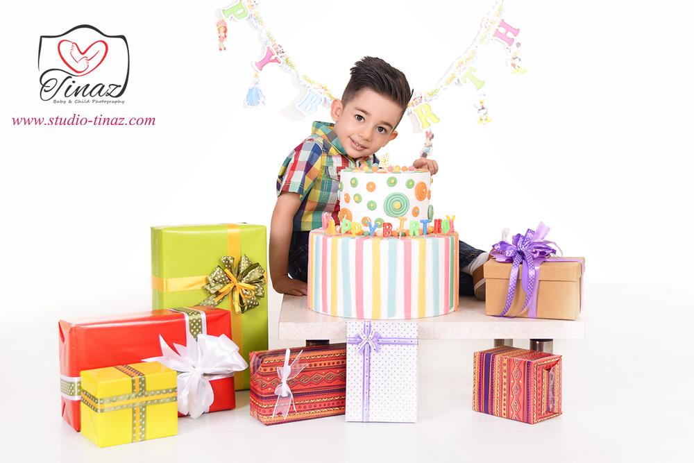 عکس کودک با تم تولد