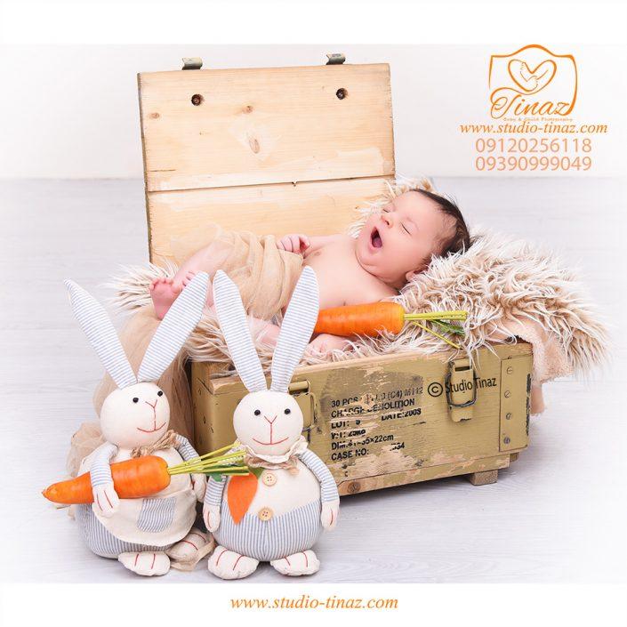 عکس نوزاد در آتلیه کودک